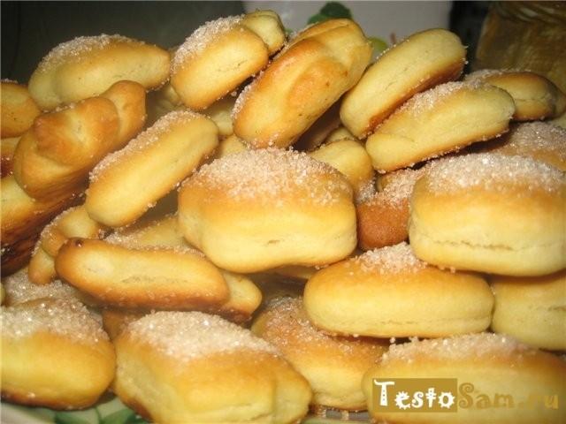 Вкусное сахарное печенье на дрожжевом тесте приготовленное в духовке