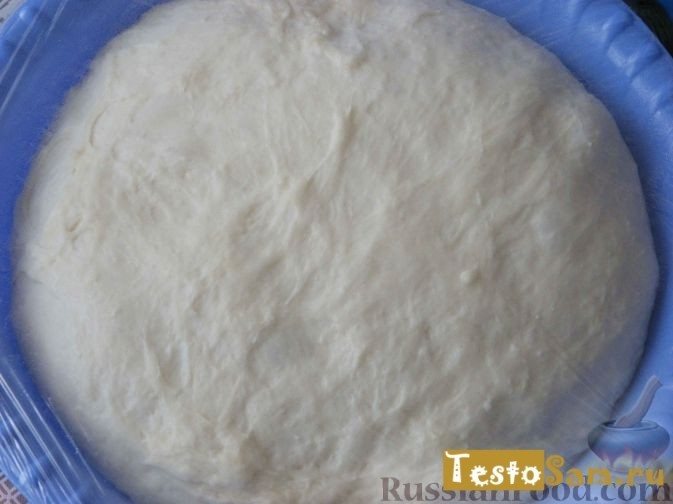 После того как тесто поднимется его объем увеличится вдвое