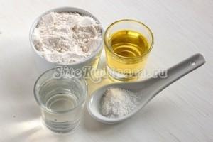 Ингредиенты для теста - мука, вода, масло, соль