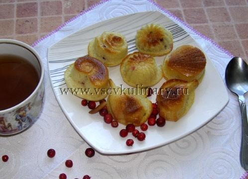 запекайте бисквитные кексы в духовке