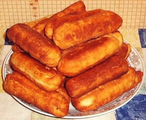 Жареные сосиски в тесте на сковороде - пошаговый рецепт