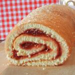 Рецепт бисквитного рулета с повидлом