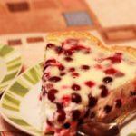 Рецепт шарлотки с брусникой