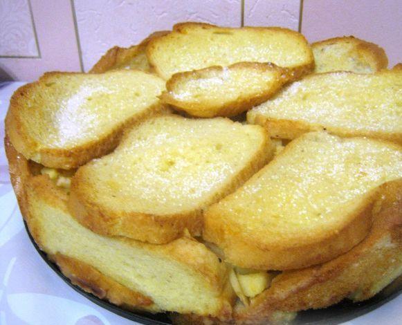 Шарлотка из батона с яблоками - быстрый рецепт