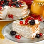 Сметанный блинный торт